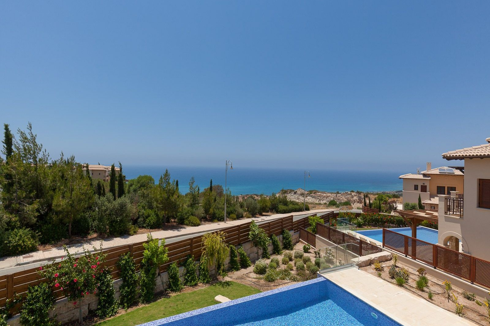 Villa with pool for rent in Cyprus