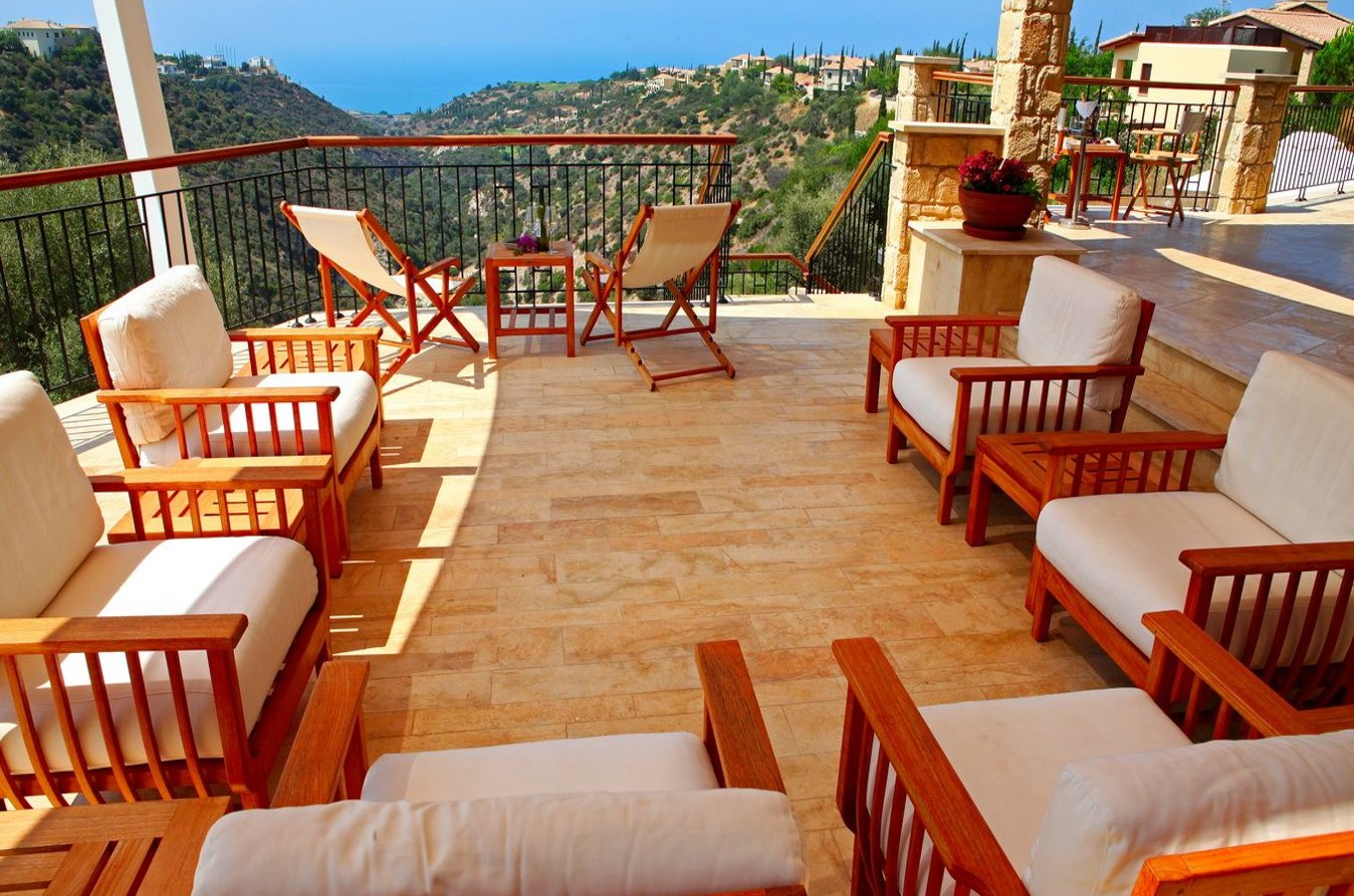 Villa with pool for rent on the island of Cyprus