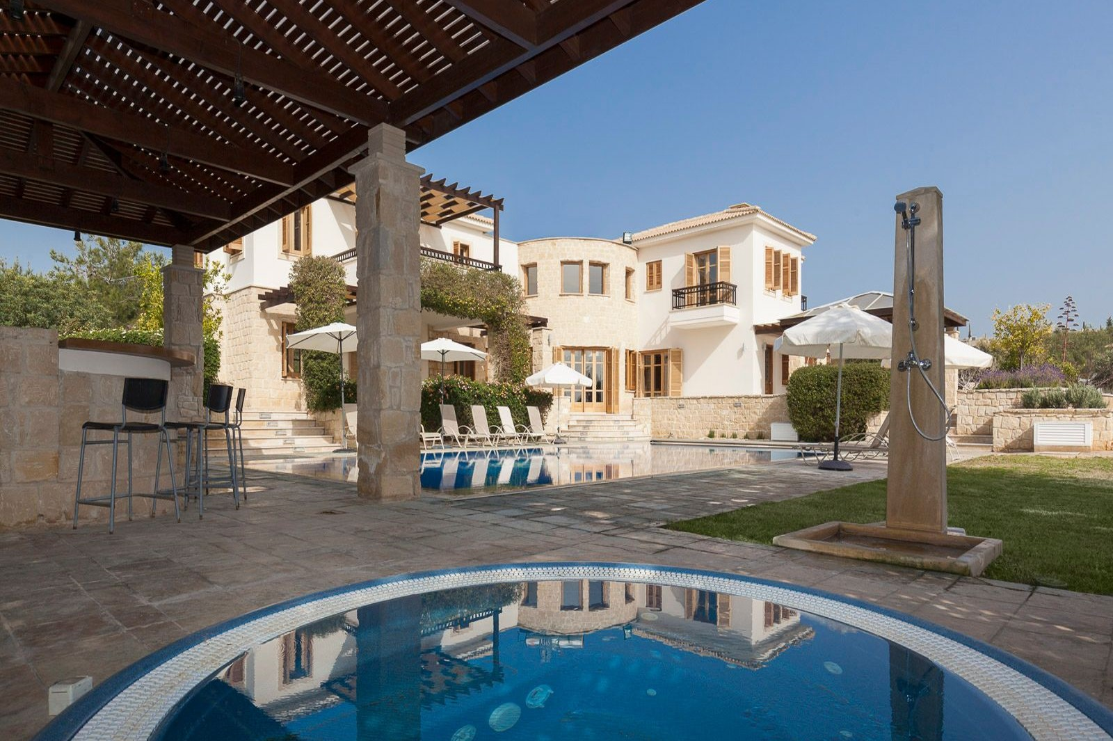 Villa for rent in Cyprus surrounded by mountains