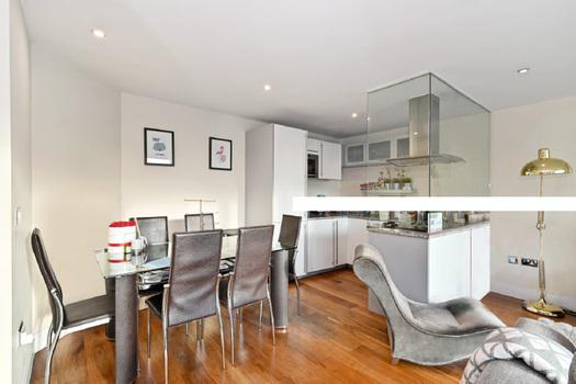 Well presented one bedroom apartment for sale in London