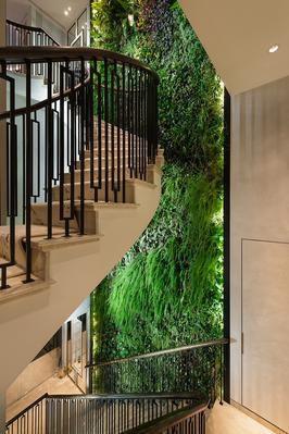 Красиво оформленная трехуровневая квартира на продажу в Лондоне