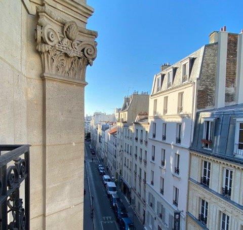 Квартира с двумя спальнями в Париже