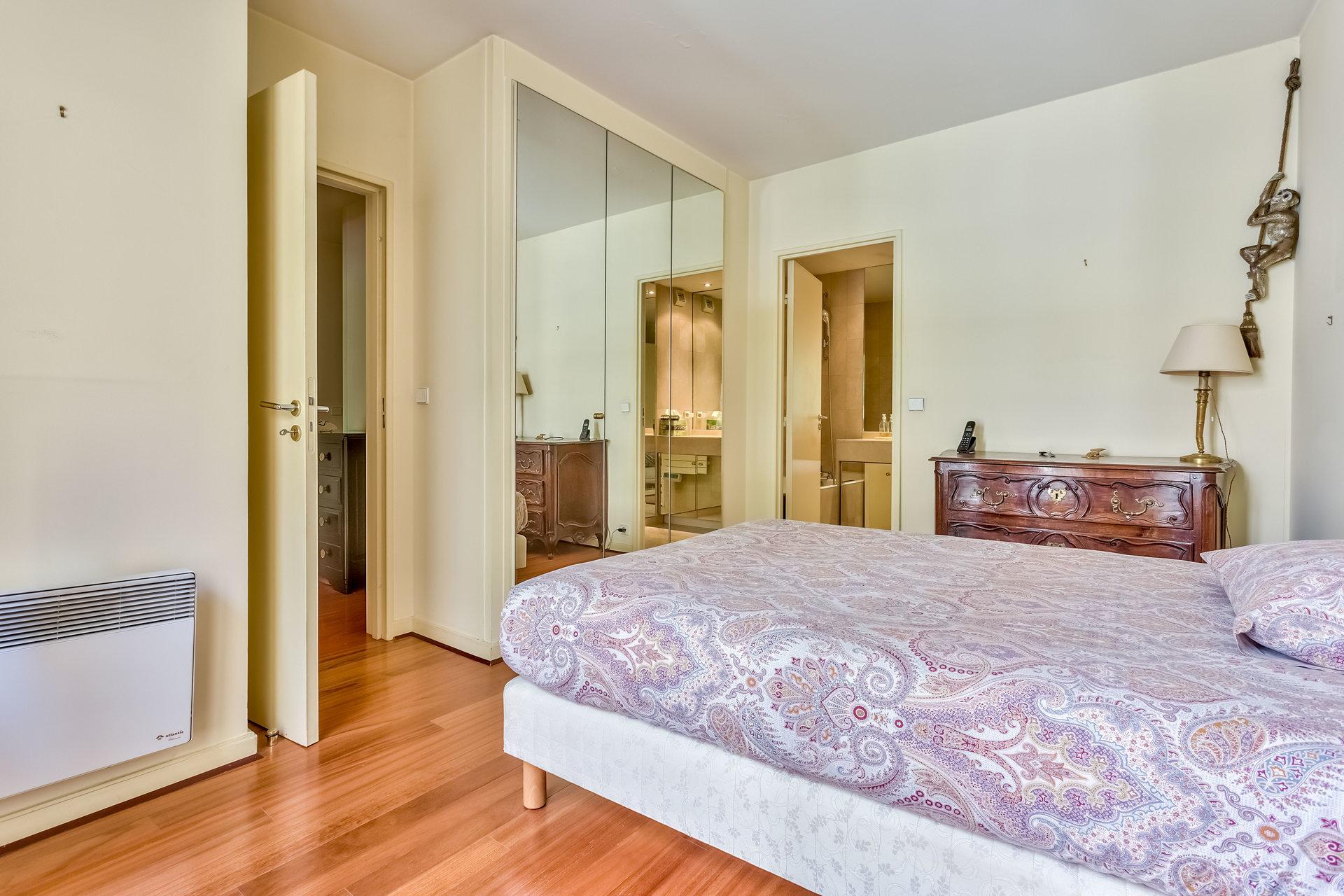 Beautiful apartment in Paris, 16th arrondissement
