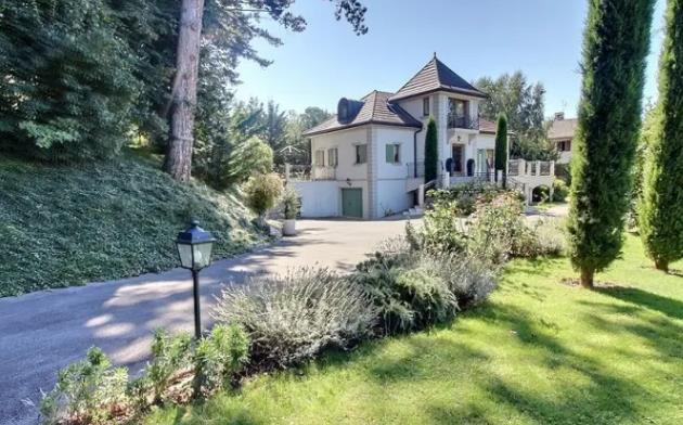 Дом во Франции с видом на Женевское озеро, Эвиан-ле-Бен