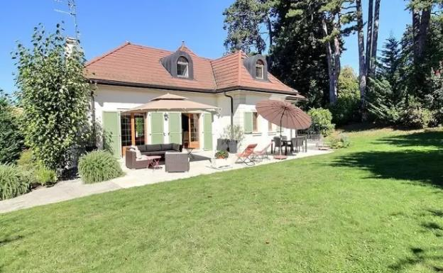 House in France overlooking Lake Geneva, Evian-les-Bains