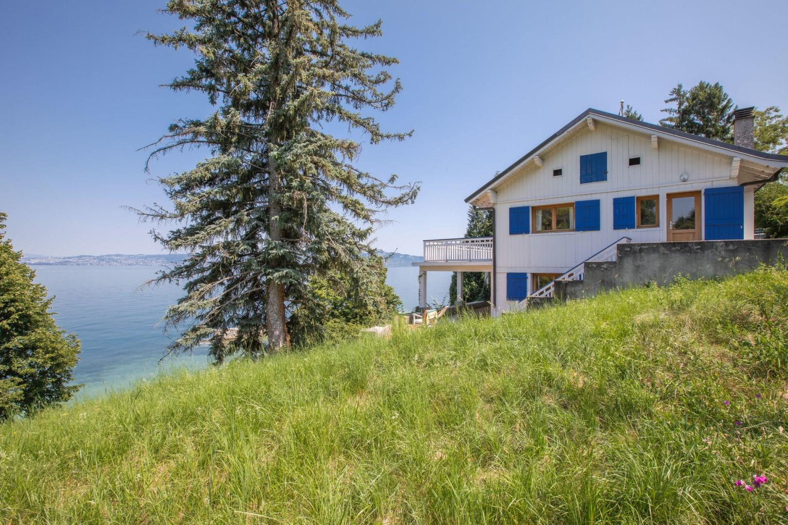 Villa by the lake in the suburb of Evian-les-Bains