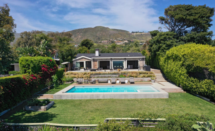 Pop star Avril Lavigne and her modern home in Malibu