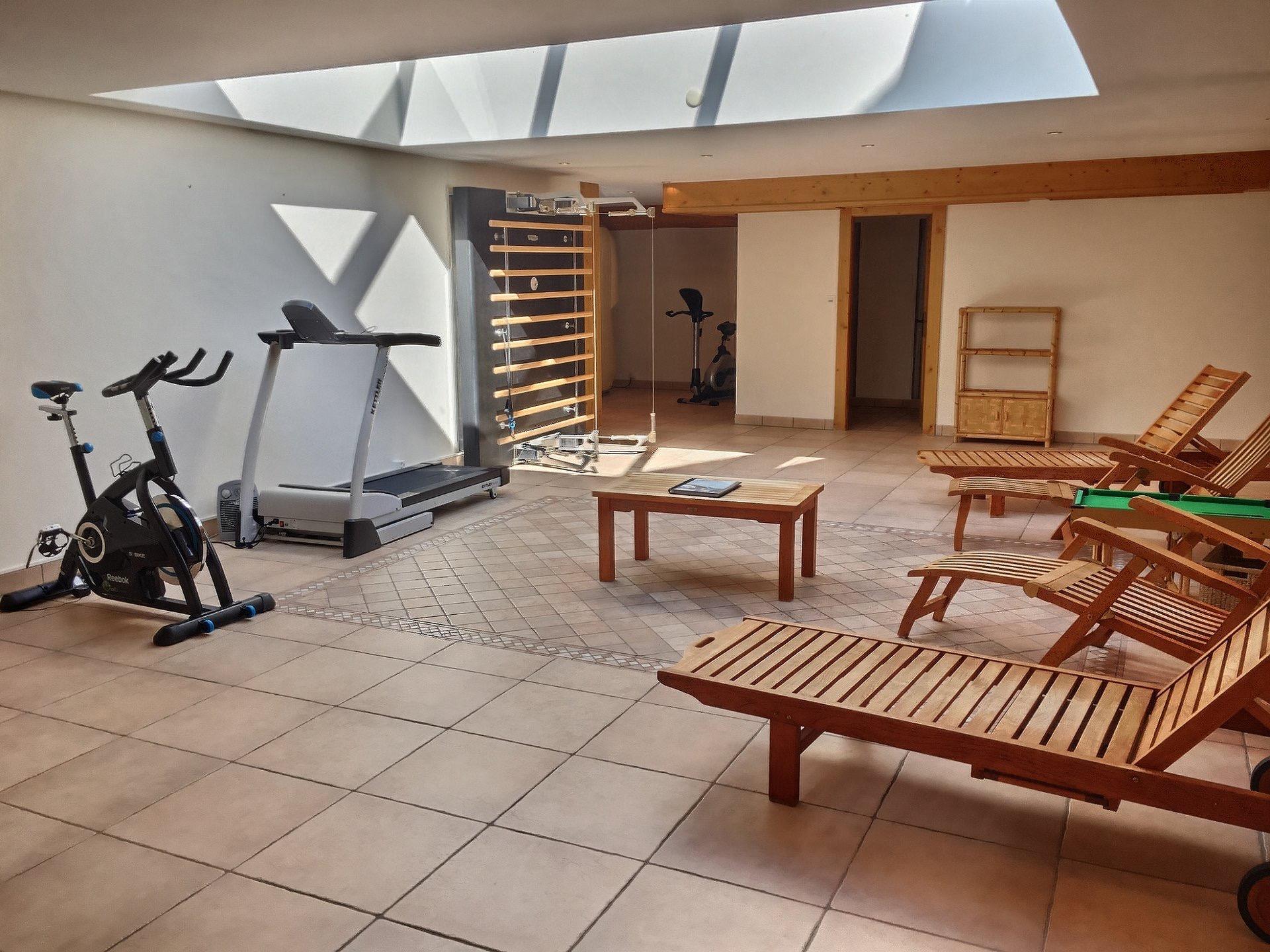 Яркая и солнечная квартира в Швейцарии, недалеко от 'Les Esserts' на курорте Вербье
