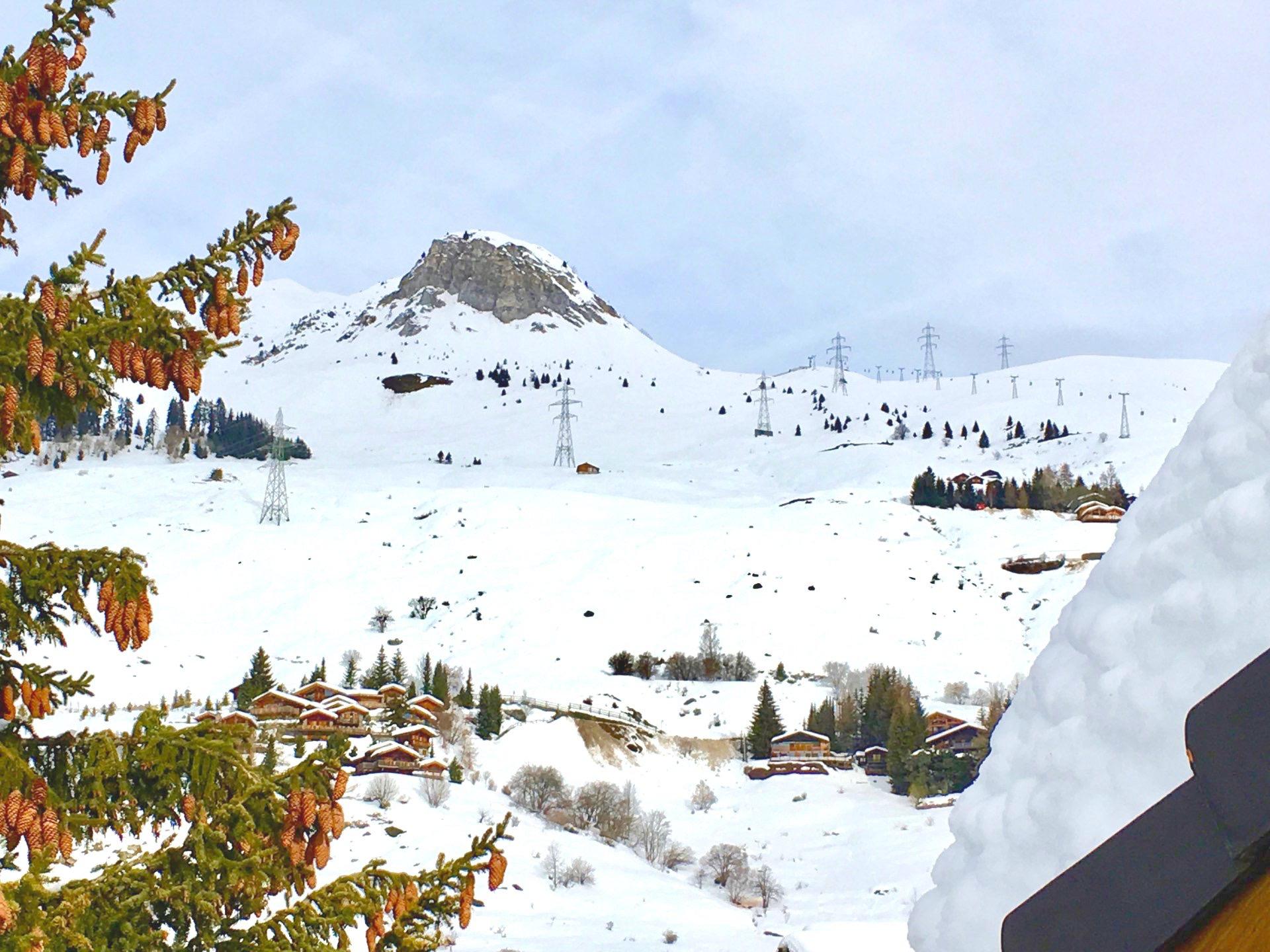 Потрясающее шале в Швейцарии с панорамным видом на Альпы