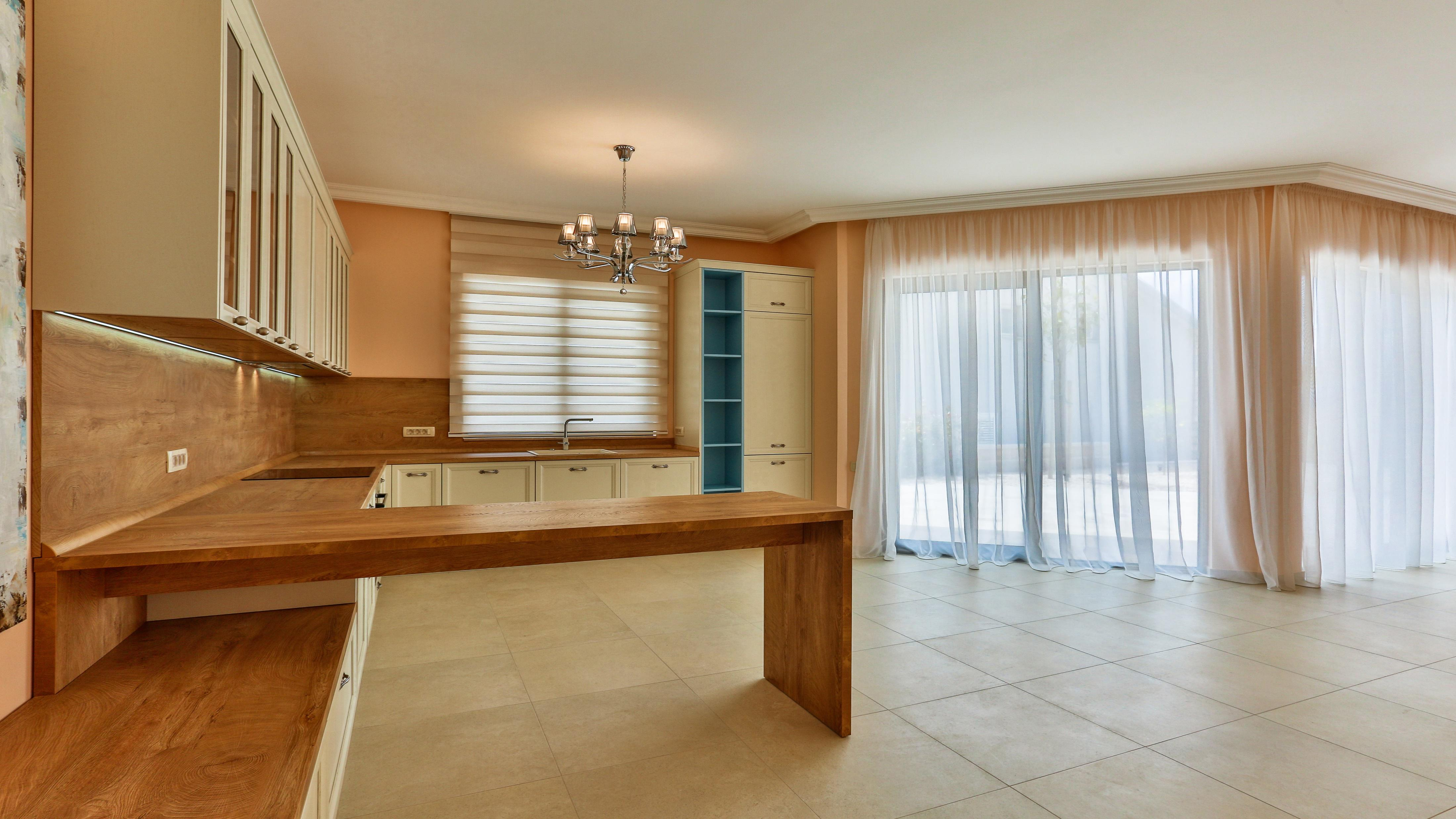 New villa in the suburbs of Tivat