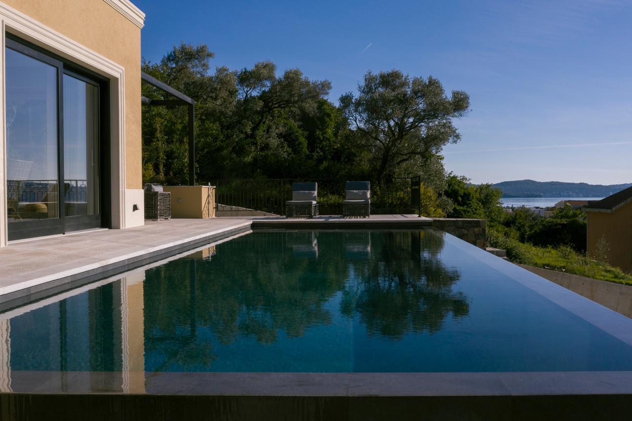 Contemporary style villa in Tivat suburbs