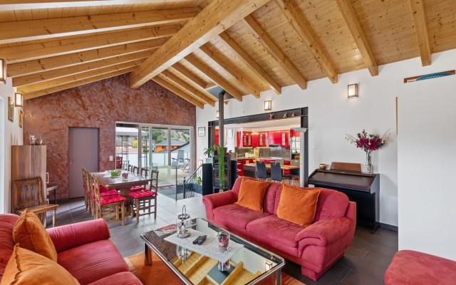 Magnifique attique en duplex entièrement rénové