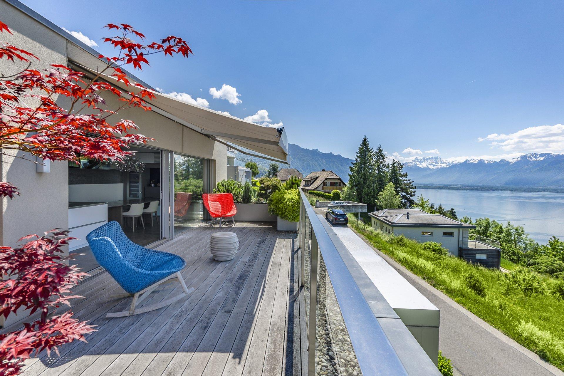 Пентхаус с видом на Женевское озеро в Швейцарии, Монтрё