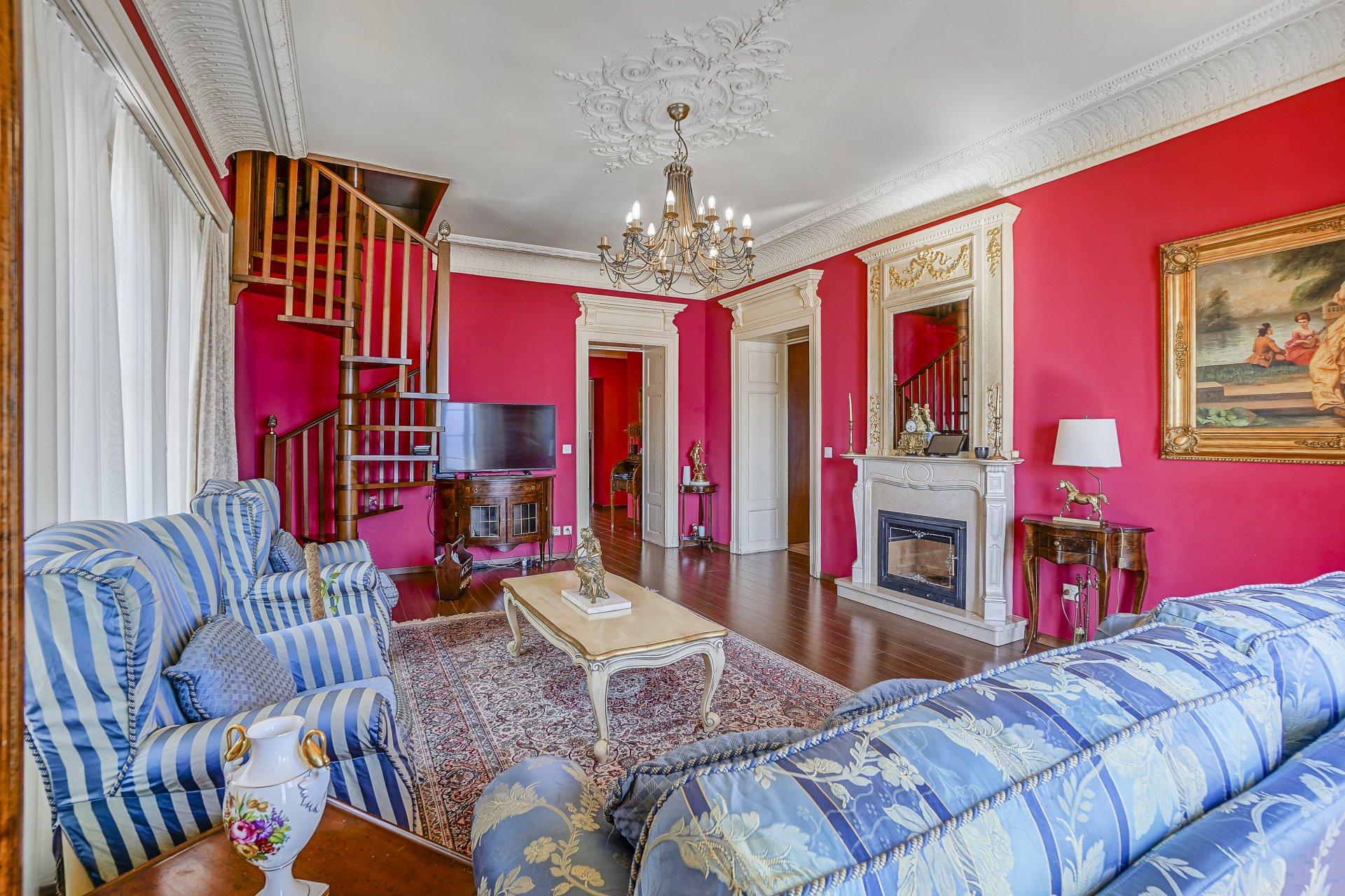 Элегантный апартамент с престижным адресом в Монтрё