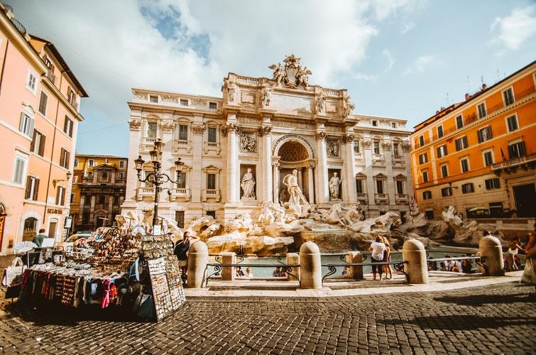 Контрастный рынок недвижимости в роскошной Италии
