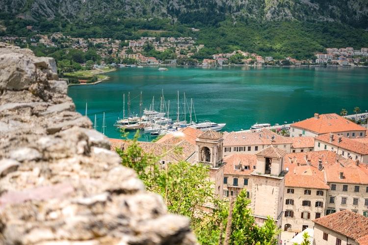 Недвижимость на побережье Адриатики в Черногории