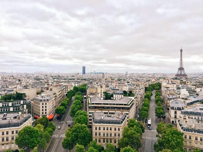 Модный и современный Париж, Франция