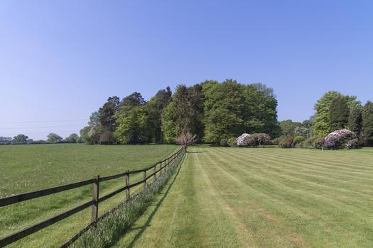 Land plot with a construction project for sale in London