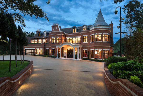 Grand new build residence in the heart of Keston Park