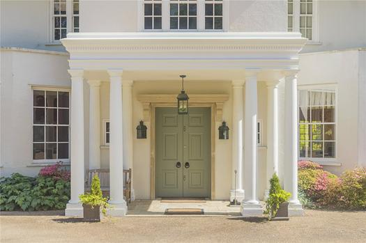 Fabulous English mansion for sale close to London