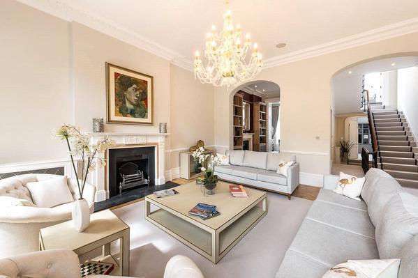 Красивый дом в престижном районе Лондона
