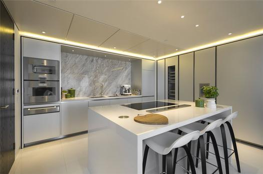 Stunning 3 bedroom duplex apartment for sale in London