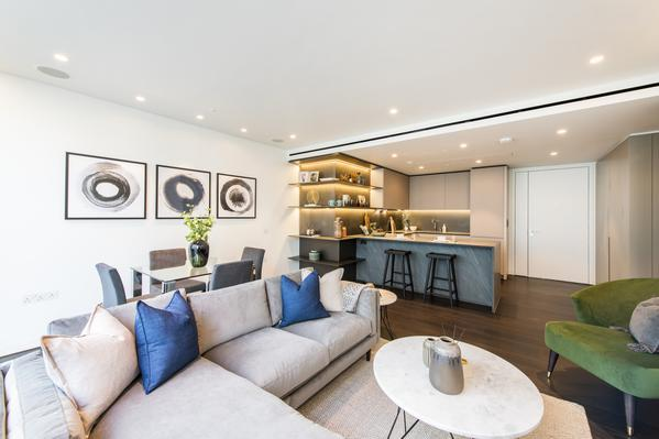 Two bedroom luxurious apartment for sale in London