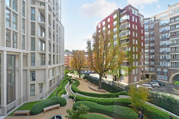 Просторная квартира с тремя спальнями в Лондоне