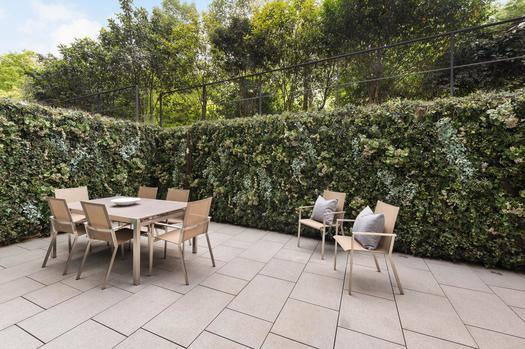 Красивый дуплекс апартамент с тремя спальнями на продажу в Лондоне