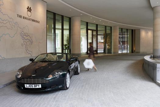 Безупречная трехкомнатная квартира на продажу в Лондоне