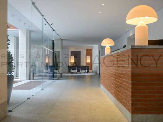 Elegant apartment in Milan in a world-famous architect building