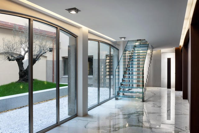 Luxury apartment in Milan, in a historical building 1700 g