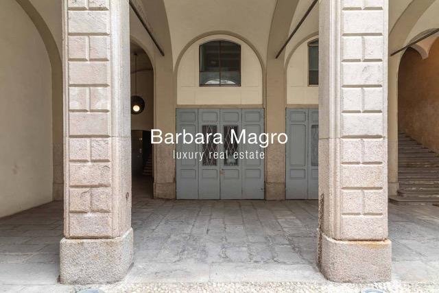Элегантная квартира в Милане в историческом здании