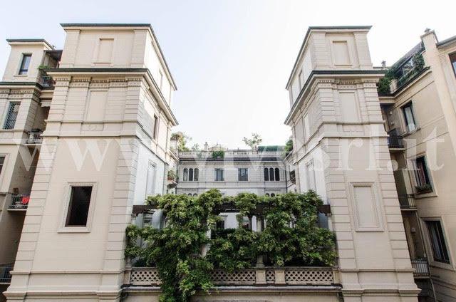 Апартаменты в Милане в историческом палаццо возле главной площади