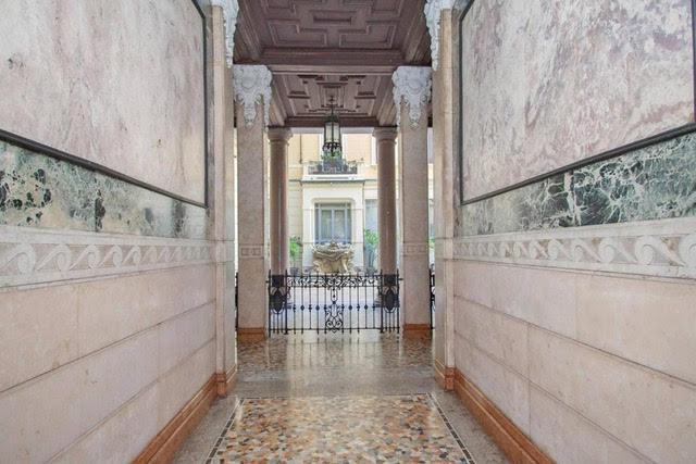 Престижная квартира в Милане, в важном историческом здании начала 1900-х годов