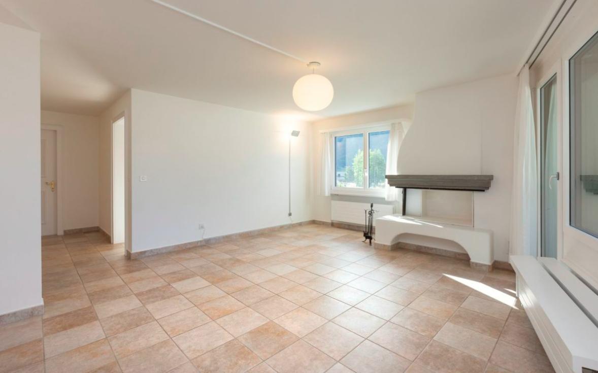 Apartment for sale in Switzerland near Lake Silvapana